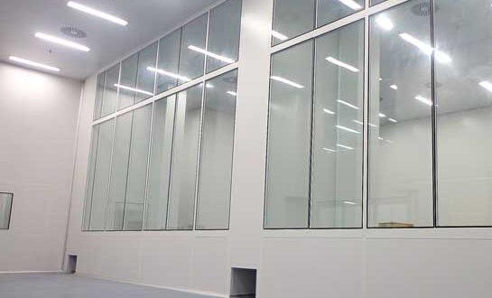 Monthac realiza fabricação e montagem de divisórias e forros para salas limpas